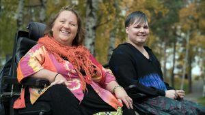Milla Ilonen ja Savu Rökman haluavat, että vammaiset voivat puhua seksuaalisuudesta