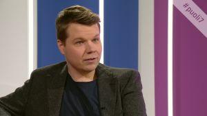 Näyttelijä Hannes Suominen pitää huolta ympäristöasioista.