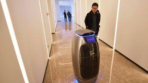 """Kiinalainen verkkojätti Ali Baba avasi """"tulevaisuuden hotellin"""""""