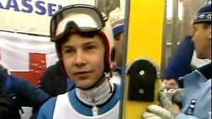Matti Nykänen otti ensimmäisen MM-kultansa Oslon sumussa 1982