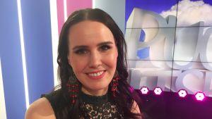Laulaja Anne Mattila on onnellinen nainen ja rakastaa edelleen laulamista