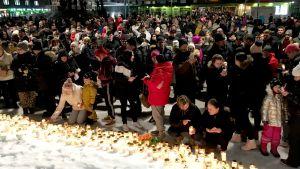 Särkyneiden sydänten ilta - porilaiset surivat Olli Lindholmia