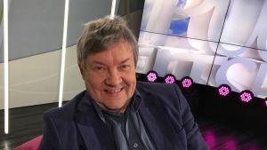 Näyttelijä Juha Muje antaa oppitunnin elokuvanäyttelemisestä - puuronsyönnissä