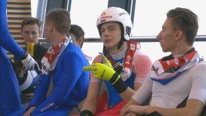 """Venäläisurheilijalta hämmentävä ele MM-kisoissa – näytti tv-kameralle sormea, jossa luki """"V.V. Putin"""""""