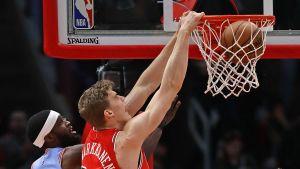 Markkanen oli Bullsin paras pistemies Atlanta-ottelussa