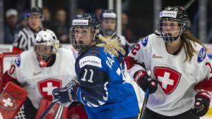 Suomi nuiji Sveitsin 6–2 naisten jääkiekon MM-kisoissa