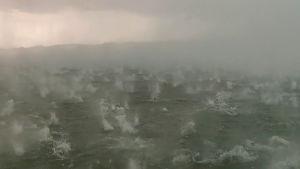Rajut myrskyt riepottelivat Saksaa - katso kuinka rakeet piiskaavat Ammersee-järveä Baijerissa