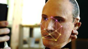 Kokeilimme, voiko tulostetuilla kasvoilla huijata kasvojentunnistusjärjestelmiä