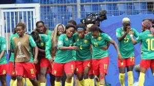 Kamerun nousi 2–1-voittoon viimeisellä mahdollisella hetkellä – lisäajan viimeisellä minuutilla syntynyt osuma varmisti jatkopaikan