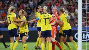 Ruotsi kukisti Kanadan Stina Blacksteniuksen maalilla – Hedvig Lindahl torjui rangaistuspotkun