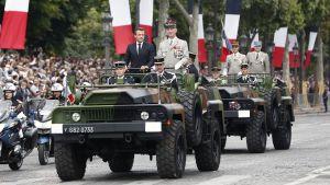 Katso Ranskan kansallispäivän paraatia Pariisista