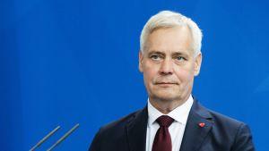 Antti Rinne puhuu Euroopan parlamentissa