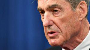 Venäjän vaalihäirintää tutkinut erikoissyyttäjä Robert Mueller kongressin kuultavana