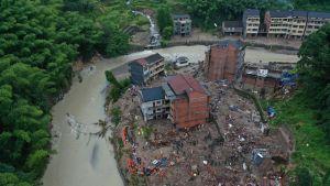 Patovalli murtui Itä-Kiinassa Lekima-taifuunin voimasta