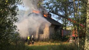 Tulipalo tuhosi autiotalon Sipoossa