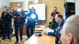 Kuopion koulusurman vangitsemisoikeudenkäynti