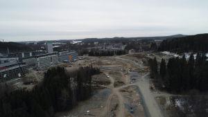 Kuopion Savilahden rakennustyömaa maaliskuun lopussa 2020