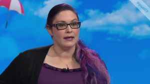 Maria Pettersson harrastaa kuolleiden diktaattorien bongaamista
