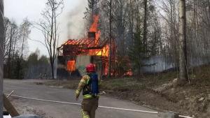Autiotalo paloi Espoossa