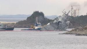 Norjassa sotalaiva ja säiliöalus ovat törmänneet Bergenin pohjoispuolella – kahdeksan loukkaantui
