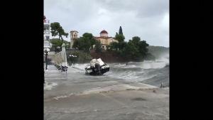 Myrskyt koettelevat edelleen Kreikkaa – Kolme ihmistä kateissa
