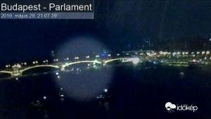 Yli 20:n ihmisen pelätään kuolleen turistiveneen kaaduttua Budapestissä - Videolla näkyy veneisen törmäys