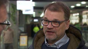 Pääministeri Sipilä kommentoi Hämeenlinnassa päätöstään kaataa sote ja hallitus.