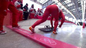 Korean olympialaiset: Yun Sung-bin toi Etelä-Korealle kelkkailun kultaa