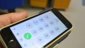 Hätänumeroon pystyy normaalisti soittamaan jopa ilman sim-korttia.