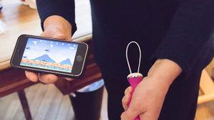 Fysioterapeutin ideoima kännykkäpeli auttaa jatkamaan treenejä kotona.