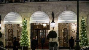 Ritz-hotellin pääsisäänkäynti Pariisissa keskiviikkona 10.tammikuuta.