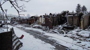 Rivitalo tuhoutui täysin tulipalossa Raaseporin Pohjassa 21.1.2018.