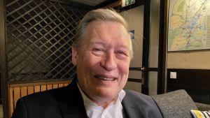 Láhkačeahppi Pekka Hallberg.