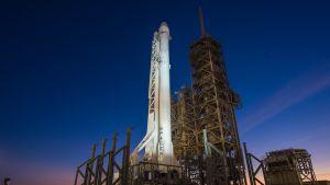 Raketti NASA:n Kennedyn avaruuskeskuksessa Floridassa.