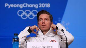Yhdysvaltain halfpipe-joukkueen lehdistötilaisuudessa Pyeongchangin olympialaisissa.