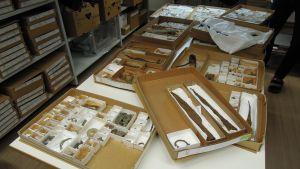Suurimmaksi osaksi rautakaudelle ajoittuvia, metallinetsijöiden Museovirastolle toimittamia löytöjä.