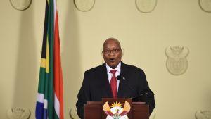 Afrikan presidentti Jacob Zuma kertoi erostaan Pretoriassa.