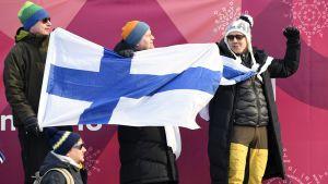 Suomalaiset hiihtofanit seuraavat kisoja Pyeongchangissa.