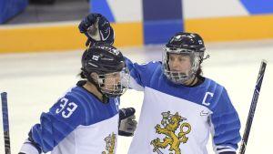 Michelle Karvinen ja Jenni Hiirikoski.