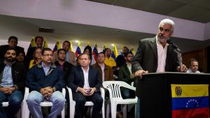 Oppositiokoalition tiedotustilaisuudessa puhui koordinaattori Angel Oropeza.