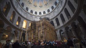 Jeesuksen hauta Pyhän haudan kirkossa Jerusalemissa.