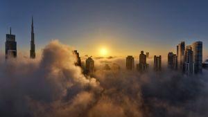 Pilvenpiirtäjiä Dubaissa.