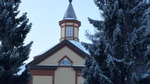 Kannuksen kirkko ulkoa.