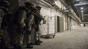 Sotilaita harjoituksessa.