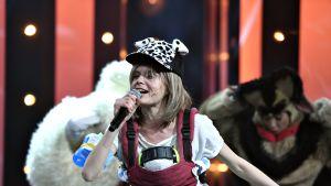 Näyttelijä Alina Tomnikov Kikka Vaara