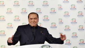Ex-pääministeri Silvio Berlusconin johtama oikeistokoalitio on menestynyt odotetusti Italian parlamenttivaaleissa.