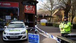 Salisburyn poliisi on eristänyt alueen, mistä Sergei Skripal ja hänen tyttärensä löydettiin myrkytettyinä.