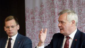 SDP:n puoluesihteeri Antton Rönnholm ja puheenjohtaja Antti Rinne.