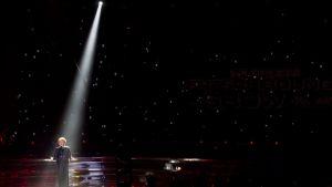 Kaikkien aikojen ensimmäinen Euroviisuvoittaja, Lys Assia jatkoi esiintymisiään pitkään. Kuva on vuodelta 2011.