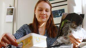 Helsinkiläinen Aura Piha osallistui Muoviton maaliskuu -kampanjaan.